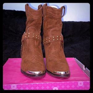 Shoe dazzle Cowboy boots
